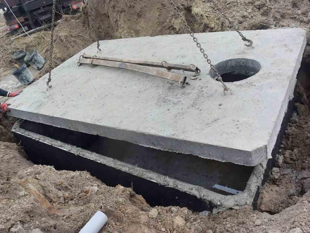 Usazení betonové nádrže